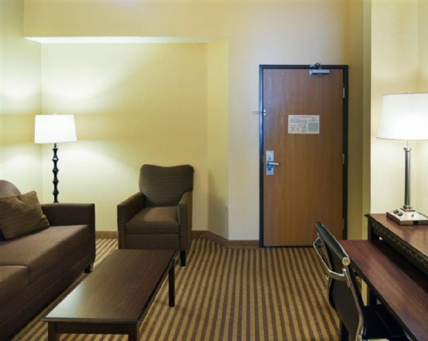 COMFORT SUITES DFW AIRPORT, TX 75063 near Dallas-fort Worth International Airport View Point 6