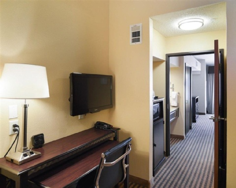 COMFORT SUITES DFW AIRPORT, TX 75063 near Dallas-fort Worth International Airport View Point 3