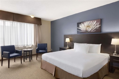 Days Inn by Wyndham Montreal Airport Conference Centre, QC PQ H4S 1C8 near Montreal-Pierre Elliott Trudeau Int. Airport View Point 4