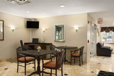Microtel Inn & Suites by Wyndham Charlotte Airport, NC 28208 near Charlotte/douglas International Airport View Point 11