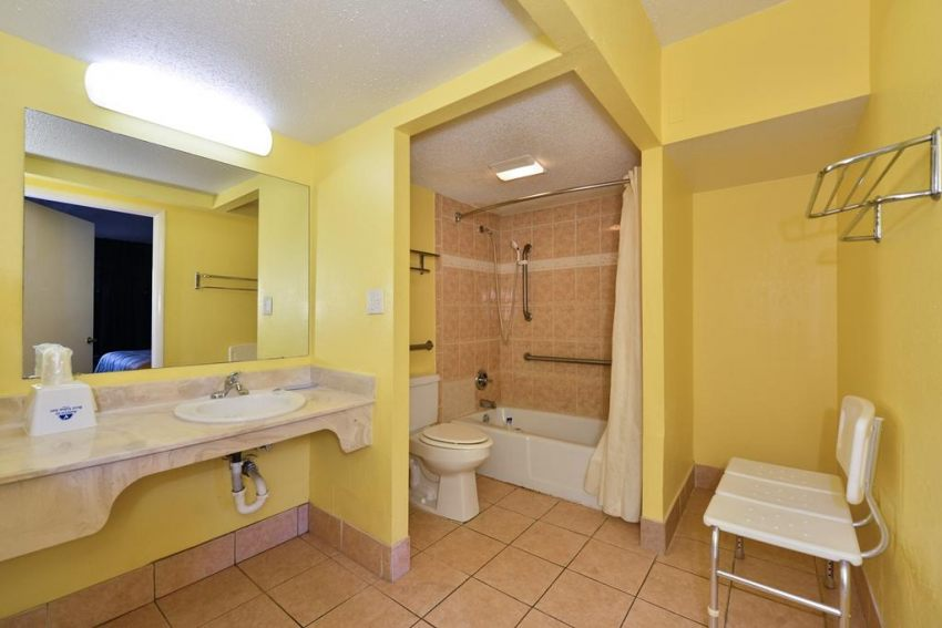 Americas Best Value Inn Cocoa Port Canaveral, FL 32926 near Melbourne International Airport View Point 10