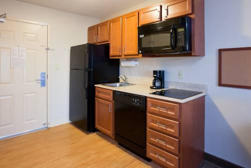 Candlewood Suites Milwaukee Airport - Oak Creek, WI 53154 near General Mitchell International Airport View Point 11