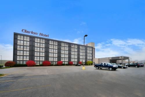 Ramada Hotel & Convention Center , IA 52404 near The Eastern Iowa Airport View Point 21