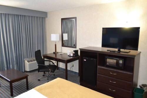 Ramada Hotel & Convention Center , IA 52404 near The Eastern Iowa Airport View Point 19