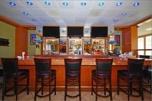 Clarion Hotel Detroit Metro Airport Romulus Mi