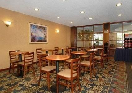 Comfort Inn Cleveland Airport, OH 44130 near Cleveland Hopkins International Airport View Point 17