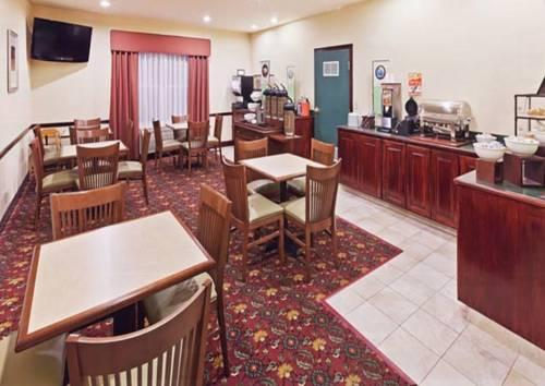 Country Inn And Suites Tulsa, OK 74116 near Tulsa International Airport View Point 14
