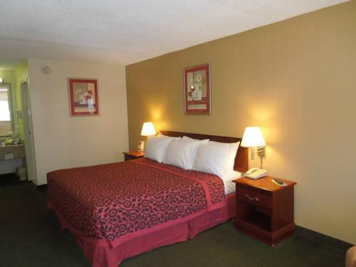 Days Inn Cleveland Airport South, OH 44130 near Cleveland Hopkins International Airport View Point 14