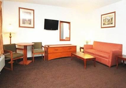 Econo Lodge Inn & Suites Oakland Airport, CA 94621 near Oakland International Airport View Point 12