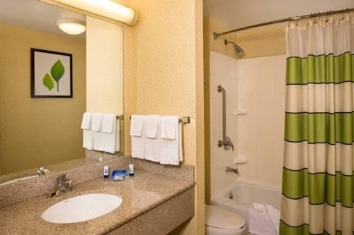 Fairfield Inn by Marriott New York LaGuardia Airport/Flushing, NY 11354 near Laguardia Airport View Point 10