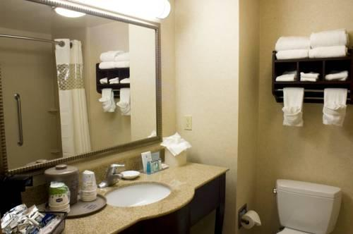Hampton Inn And Suites Oakland Airport Alameda, CA 94502 near Oakland International Airport View Point 19