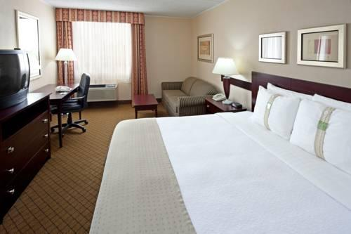 Holiday Inn Carteret Rahway, NJ  07008 near Newark Liberty International Airport View Point 9