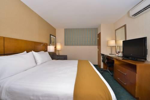 Holiday Inn Express Kennedy Airport, NEW YORK 11434 near John F Kennedy Intl Airport View Point 8