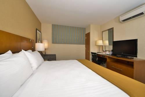 Holiday Inn Express Kennedy Airport, NEW YORK 11434 near John F Kennedy Intl Airport View Point 16