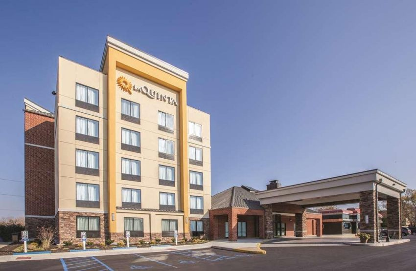 La Quinta Inn & Suites Philadelphia Airport, PA 19029 near Philadelphia International Airport View Point 17
