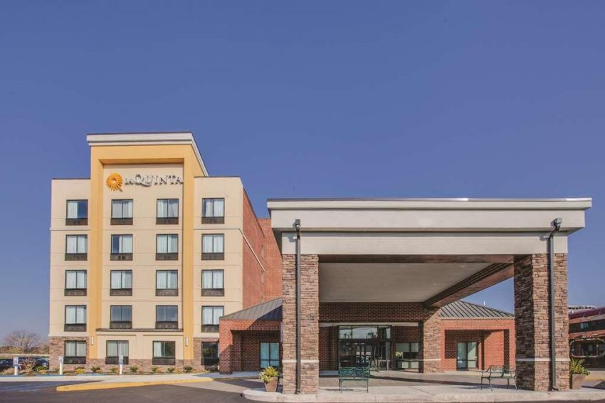 La Quinta Inn & Suites Philadelphia Airport, PA 19029 near Philadelphia International Airport View Point 16