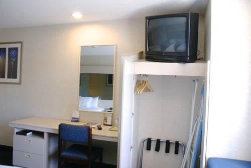 Microtel Inn & Suites By Wyndham Philadelphia Airport, Pa 19013 near Philadelphia International Airport View Point 15