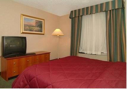 Quality Inn Airport East, TX 79915 near El Paso International Airport View Point 13