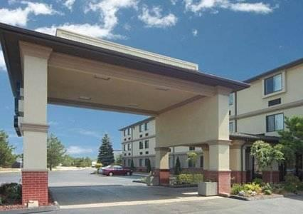 Quality Inn And Suites Romulus, MI 48174 near Detroit Metropolitan Wayne County Airport View Point 18
