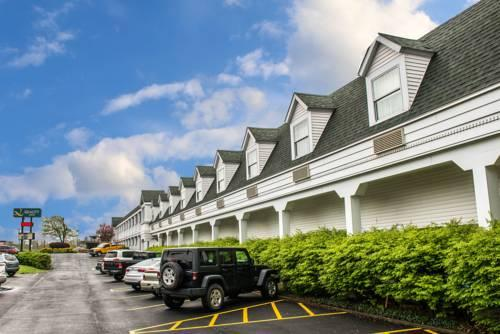 Quality Inn Pittsburgh Airport, PA 15071 near Pittsburgh International Airport View Point 17
