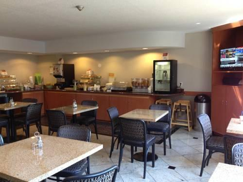 Quality Inn & Suites Mississauga, ON L4w 3z1 near Toronto Pearson International Airport View Point 6