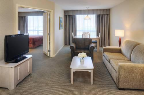 Quality Suites Montreal Aeroport, Quebec H9R1B9 near Montreal-Pierre Elliott Trudeau Int. Airport View Point 19