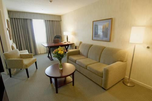 Quality Suites Montreal Aeroport, Quebec H9R1B9 near Montreal-Pierre Elliott Trudeau Int. Airport View Point 12
