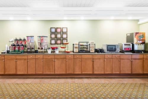 Ramada Allentown/Whitehall, PA 18052 near Lehigh Valley International Airport View Point 8