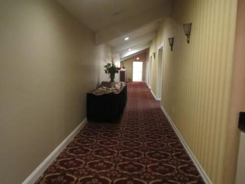 Ramada Allentown/Whitehall, PA 18052 near Lehigh Valley International Airport View Point 16