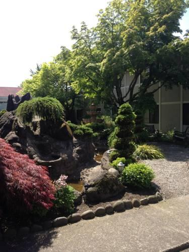 Ramada Inn Portland Airport, OR 97233 near Portland International Airport View Point 9