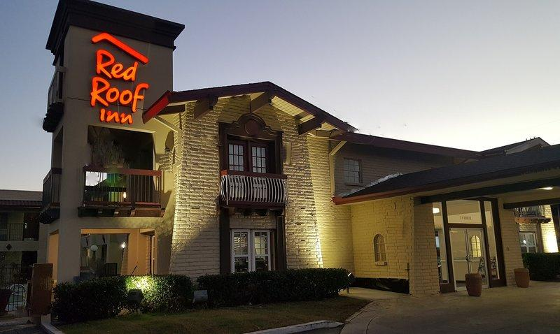 Red Roof Inn Tulsa Airport, OK 74115 near Tulsa International Airport View Point 15