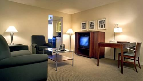 Sheraton Suites Philadelphia Airport, PA 19153 near Philadelphia International Airport View Point 15