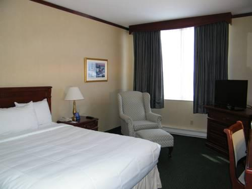 Travelodge Hotel Montreal Airport, Quebec H4T 1E7 near Montreal-Pierre Elliott Trudeau Int. Airport View Point 15