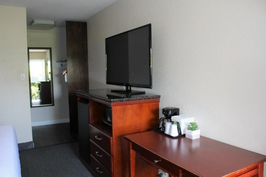 Hotel V - South San Francisco/SFO, CA 94080  near San Francisco International Airport View Point 11
