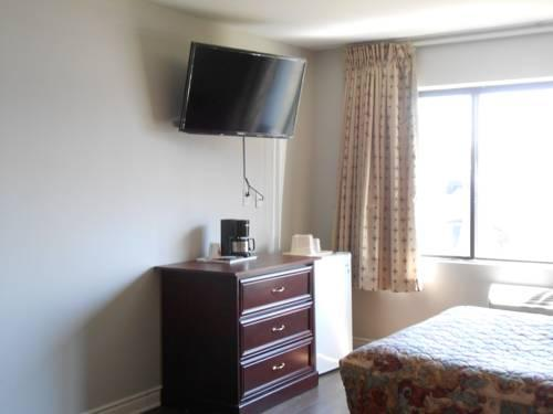 Baymont Inn and Suites YUL, Canada H4T 1E5 near Montreal-Pierre Elliott Trudeau Int. Airport View Point 10