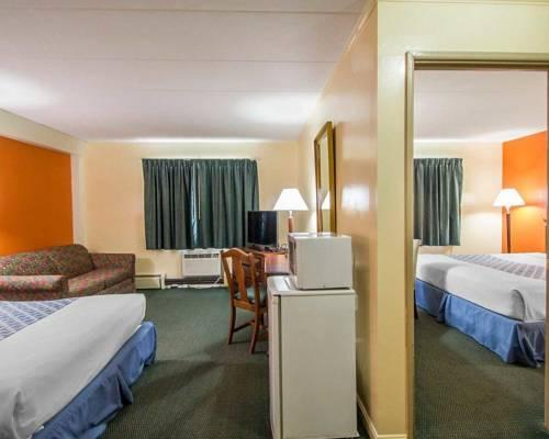 Econo Lodge Inn & Suites, CT 06096 near Bradley International Airport View Point 14