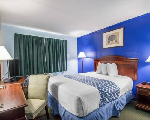 Econo Lodge Inn & Suites, CT 06096 near Bradley International Airport View Point 8