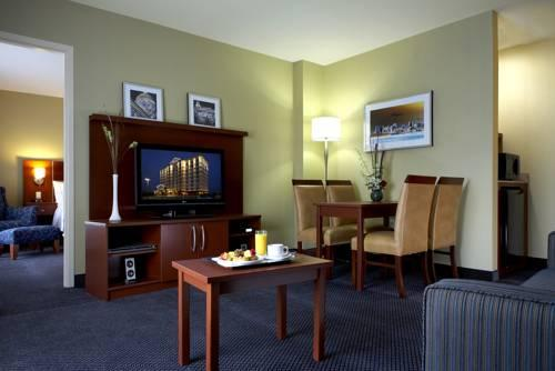 Fairfield Inn & Suites Montreal Airport, QC H9P1C5 near Montreal-Pierre Elliott Trudeau Int. Airport View Point 16