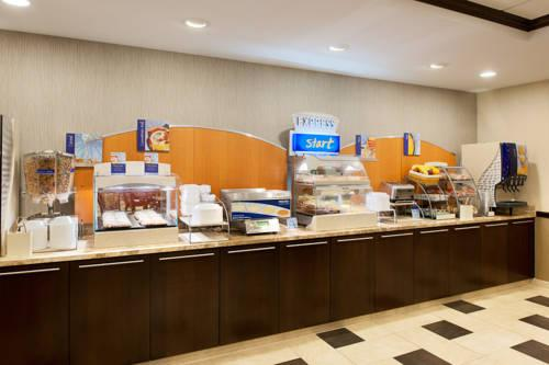 Holiday Inn Express Philadelphia Airport, PA 19113 near Philadelphia International Airport View Point 13