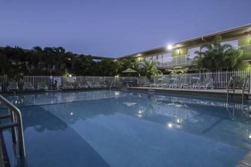 Rodeway Inn & Suites Airport/Cruise Port, FL 33312 near Fort Lauderdale-hollywood International Airport View Point 17
