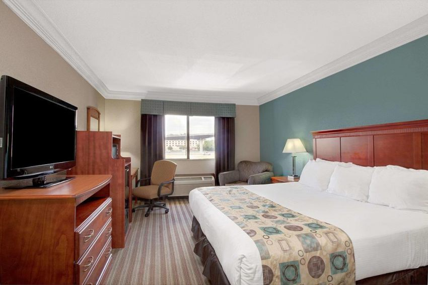 Ramada Houston Intercontinental Airport South, Texas 77032  near George Bush Intercontinental Airport View Point 28