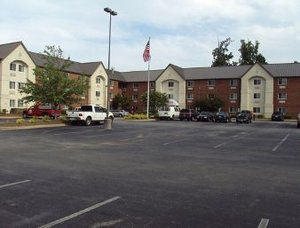Hawthorn Suites By Wyndham Greensboro, NC 27409 near Piedmont Triad International Airport View Point 1