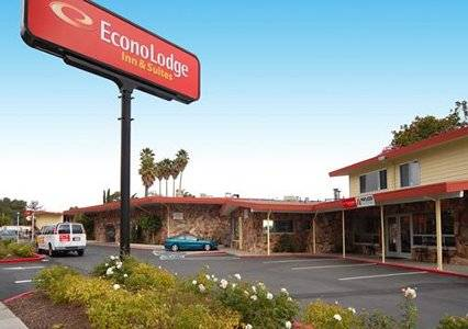 Econo Lodge Inn & Suites Oakland Airport, CA 94621 near Oakland International Airport View Point 1