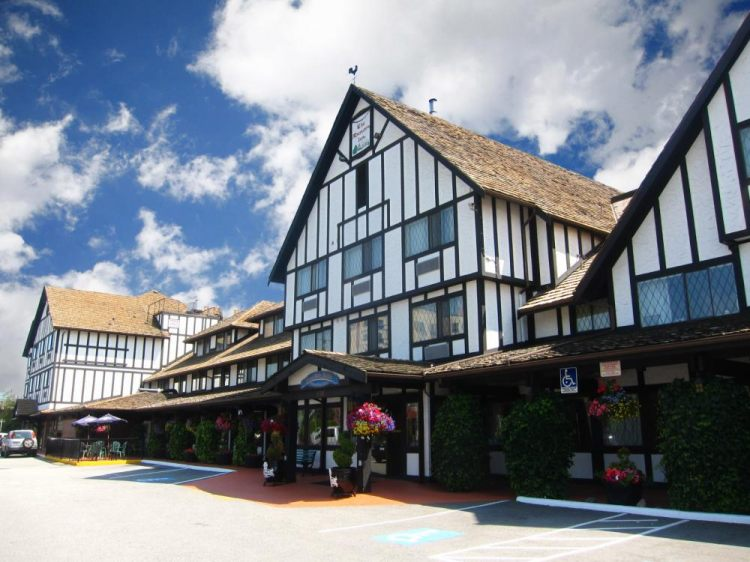 Abercorn Inn Vancouver Airport, BC V6X 1S1 near Vancouver International Airport