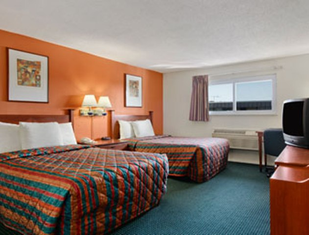 Days inn elk grove village chicago ohare airport west il - Wyndham garden elk grove village o hare ...