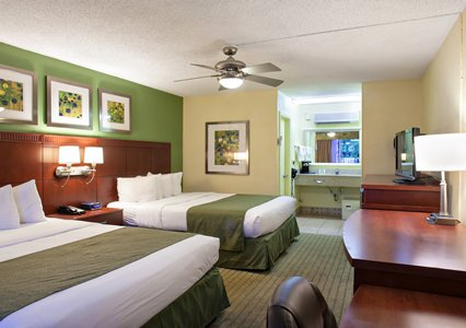 Quality Inn & Suites Hollywood Blvd, FL 33021 near Fort Lauderdale-hollywood International Airport View Point 2