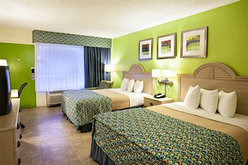 Rodeway Inn & Suites Airport/Cruise Port, FL 33312 near Fort Lauderdale-hollywood International Airport View Point 2
