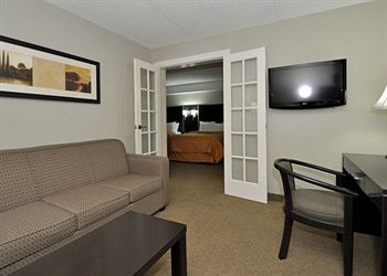 Comfort Inn Airport West, ON L4W3Z4 near Toronto Pearson International Airport View Point 3