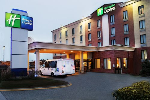 Holiday Inn Express, NEW YORK 11434 Near John F. Kennedy International Airport  View Point 3