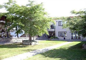 Baymont Inn and Suites YUL, Canada H4T 1E5 near Montreal-Pierre Elliott Trudeau Int. Airport View Point 2